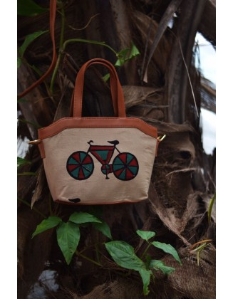 Red Cycle quirk sling bag