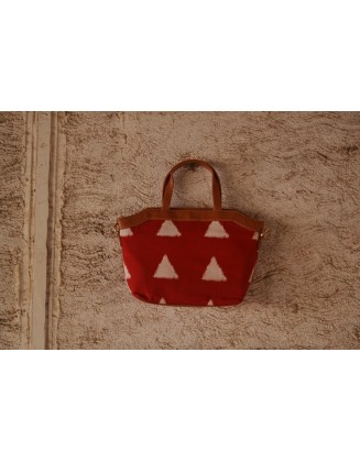 RED BLOCK QUIRK SLING BAG